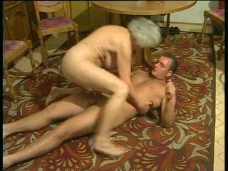 섹시한 와 뿔의 할머니 비디오