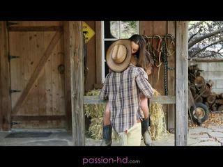 Gyzykly kowboý gyz dani daniels creampied outdoors