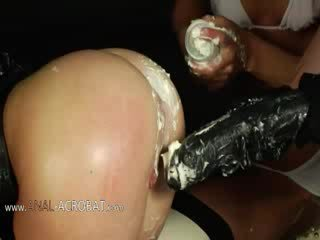 Extremely hung dư bottom trò chơi với cream