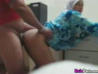 Arab punca zajebal od zadaj