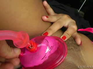 Ebony slut afra red shakes her bokong and get nailed by nacho