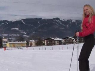 Eroberlin anna safina rusinje blond ski avstrija odprta javno