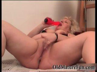 Cô gái tóc vàng cũ phụ nữ chơi với chất béo âm hộ video