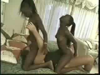 Africa kaksoset perseestä kanssa 1 men