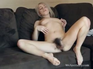 Dette hårete blond selena looks som an engel