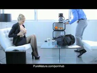 Puremature julia anns seksualny biznes spotkanie