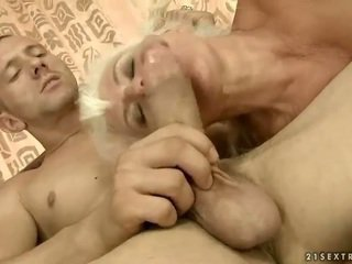 Lusty granny gets perses ilus raske