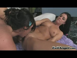 Sultry Babe Skyla Paige Likes Getting Real Bined Doggy Position Until She Cums