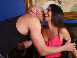 40yo lady getting fucked by her new bald bf