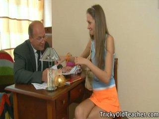 Excited প্রধান enticed তার enchanting ছাত্রী.