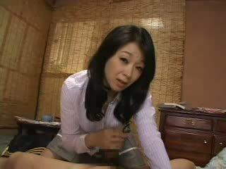 継母 キャッチ 私に けいれん 上の 彼女の パンティー ビデオ