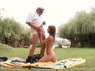 Grandpas और युवा लड़कियों सेक्स