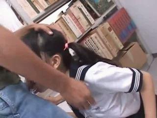 Bruneta asiatic gură inpulit greu în școală bibliotecă