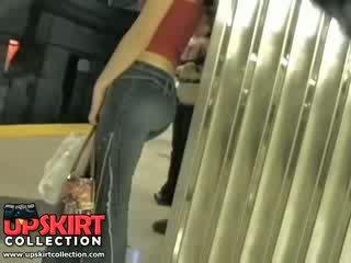 Unë majtas tim i fshehur punë në the underground dhe i kapuri kjo e lezetshme vajzë në i ngushtë xhinsa