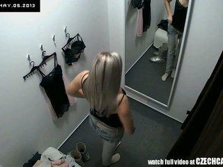 Piilumine kena blond fitting pitspesu