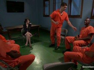 Tegan tate has band laget kjærlighet av pervertert prisoners
