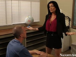 Stor titted instructor romi regn having knull onto erotiska america