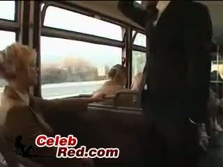 Loira aluna maniac abuso japonesa guy em autocarro com