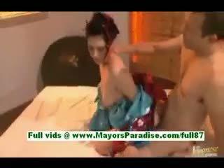 Saori hara napalone azjatyckie żona w łóżko gets a robienie loda