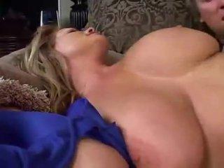 ঘুমন্ত বিশাল breasted মিলফ