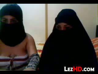 Amateur arab lesben
