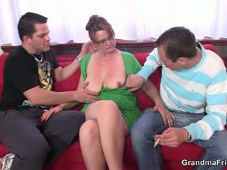 Two guys are knulling hot mamma