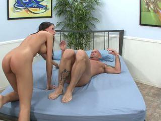 Puikus orgasms už gražus kortney kane į priekis apie jos vyras.