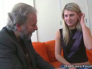 Κεράτωμα vika fucks ηλικιωμένων guy