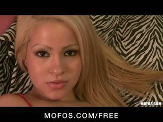 Seksi rambut pirang cami miller begs untuk menjadi kacau keras video