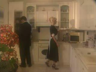 Anita สีบลอนด์ ระยำ ใน the kichen วีดีโอ