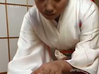 Warga jepun geisha rubbing zakar/batang