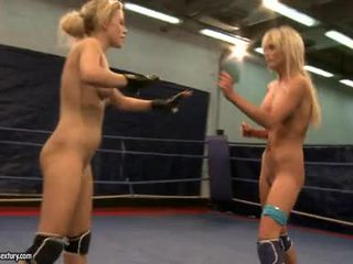 Laura cristal et michelle soaked fighting stripped