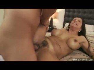 Juicy Babe Francesca Le Opens This Guyr Mouth For A Warm Glaze Of Cum