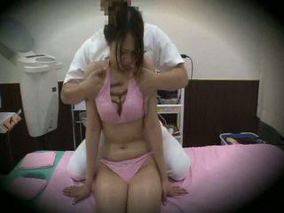 Spycam reluctant jente massasje sex 1