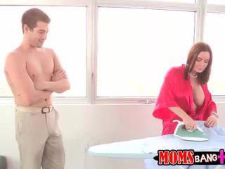 Abby erwischt sie stiefmutter ficken sie bf