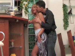 Російська матуся блудниця seduces, fucks і moans