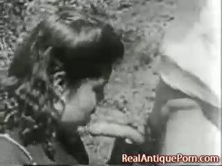 1915 gal antikk utendørs porno!