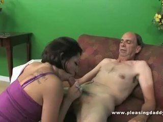 Lexy veracruz fucks egy grandfather