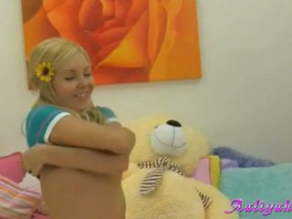 ideal young hq, new blondes check, teens