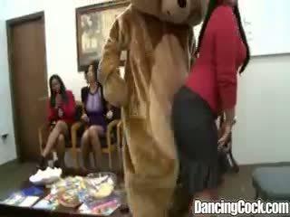 Dancingcock groupe bite suking