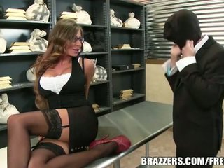 Madison ivy gets banged по a thief