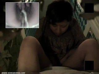 Hårig fittor toalett masturbation
