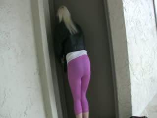 Pissing pink spandex leggings