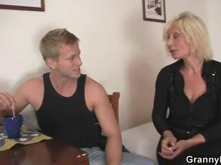 Gammel blond er doggystyle knullet
