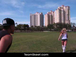 Therealworkout kirli blondinka addison avery made love after football training