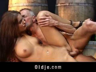 Oldje: lusty נוער fucks ישן סבא