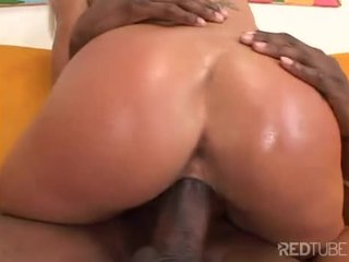 Victoria Spencer fucked on couch