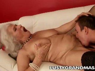 Lusty grandmas: nagymama norma kurva még mindig loves baszás
