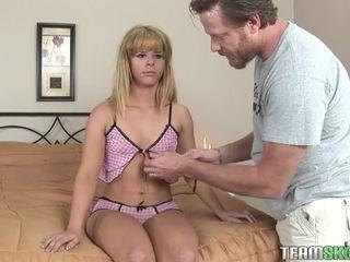 Testing njegov novo litttle seks lutka