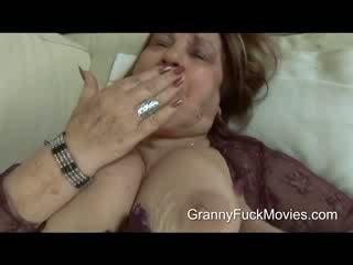 Ini adalah satu gemuk dan miang/gatal nenek yang wants beberapa tindakan
